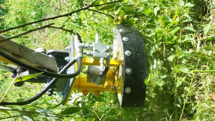Coupe bordure hydraulique pour mini pelle 2015-07-0116.51.46